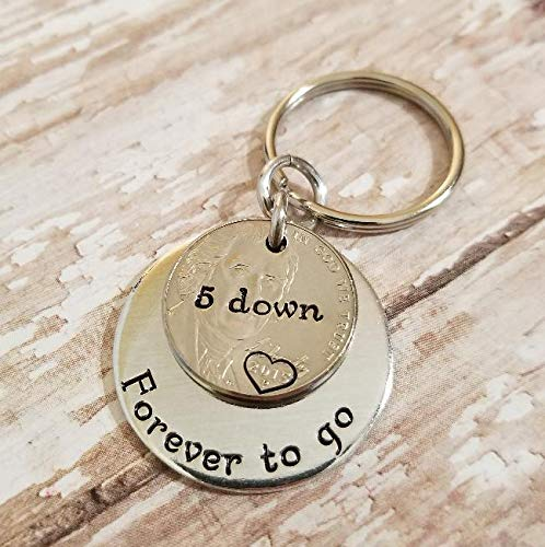 Amazon Com 5 Years Down Forever To Go 5th Anniversary Keychain