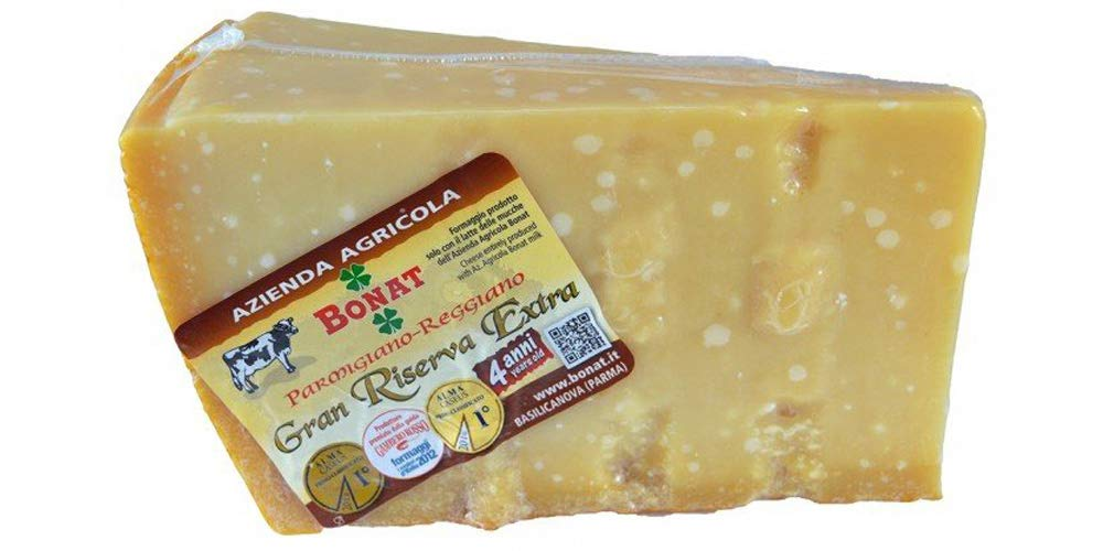 The best Parmigiano Reggiano of Italy, from Bonat Farm, aged for 4 years, vacuum packed, 2,3 lbs, with a cotton freshness sack.