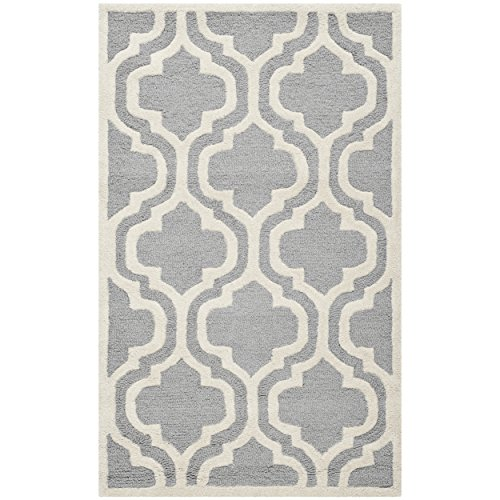 Safavieh Cambridge Collection CAM132D Handmade Moroccan Geometric Silver and Ivory Premium Wool Area Rug (3′ x 5′)