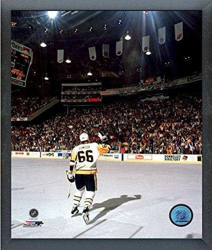 Mario Lemieux Framed Photo (Mario Lemieux Pittsburgh Penguins NHL Photo (Size: 12