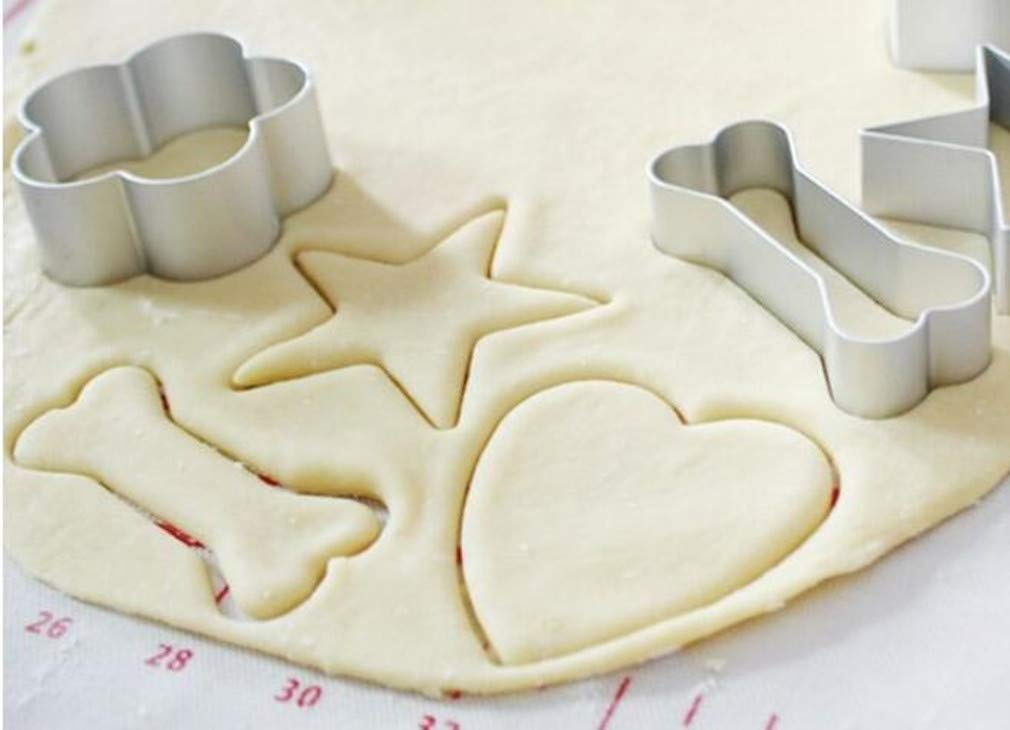 G/én/érique 1pcs os en Forme de p/âtisserie Biscuit Biscuit emporte-pi/èce g/âteau Fondant Coupe-cr/êpes Moule pour la Maison Bricolage