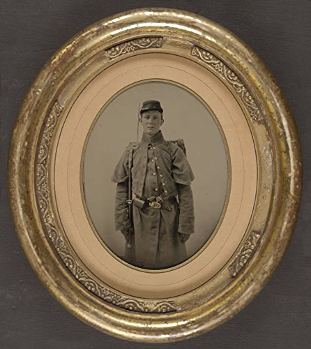1861 Photo Unidentified soldier in Union infantry uniform with bayoneted rifle and handgun