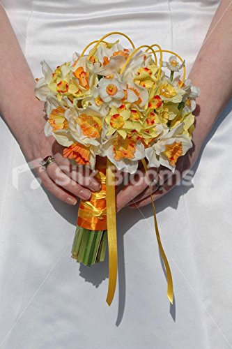 Yellow-Orange-Daffodil-White-Narcissus-Bridesmaid-Posy-Bouquet