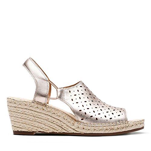 Clarks Petrina Gail Leather Sandals in Gold Metallic