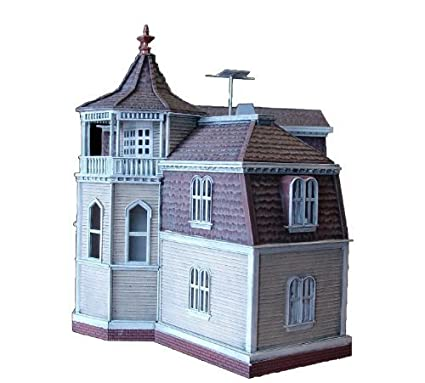 Amazon com: Moebius 1:87 Scale Munsters House Model Kit by Moebius