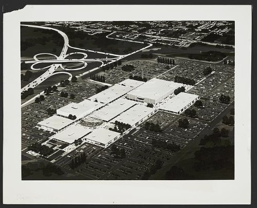Photo: Roosevelt Field Shopping Center,mall,roads,East Garden City,New - Center East North Shopping