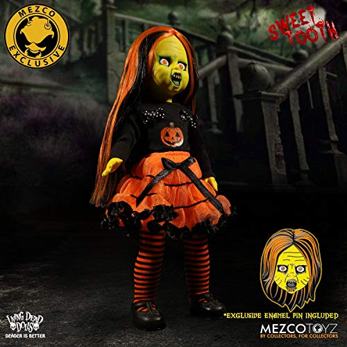 Living Dead Dolls NYCC 2017 Exclusive Mezco Sweet Tooth w Pin Halloween ()