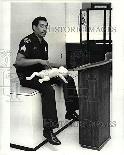 Vintage Photos 1984 Press Photo The Cleveland Police Doing The CPR Training - cva75198 - Historic Images