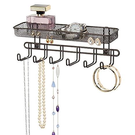 mDesign Práctico organizador de joyas para pared– Con 6 ganchos y 2 compartimentos - Mueble joyero para anillos, gafas, collares, pendientes y demás ...