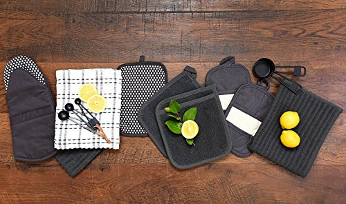 Ritz Royale Collection 100% Cotton Terry Cloth Ritz Mitz, Dual-Function Pot Holder / Oven Mitt Set, 4-Pack, Graphite by Ritz (Image #6)