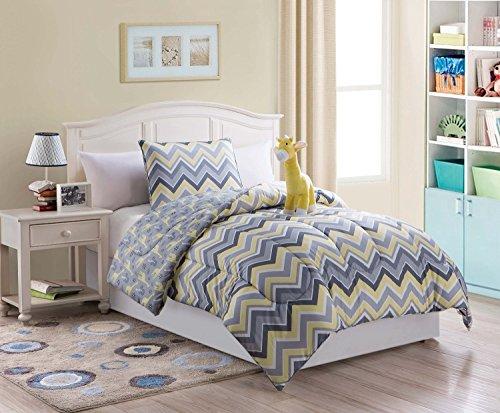 (3 Piece Kids/teens Twin Reveresable Comforter Set Grey Yellow Chevron Design Luxury Bed-in-a-bag- Giraffe Furry Friend Included)