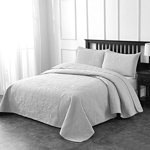 Luxe Bedding 3-piece Oversized Quilted Bedspread Coverlet Set (Full/Queen, Spring / Light Gray)