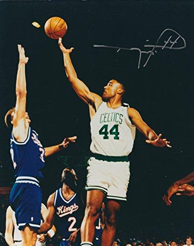 (Autographed Rick Fox 8x10 Boston Celtics Photo W/coa)