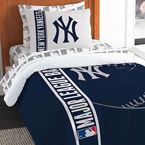 MLB New York Yankees Soft & Cozy 5-Piece Twin Size Bed in a Bag (New York Yankees Comforter)