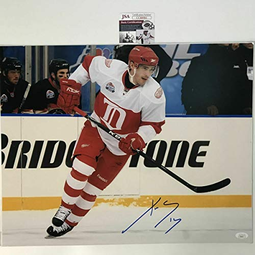 Autographed Signed Memorabilia Pavel Datsyuk Detroit Red Wings 16x20 Hockey Photo - JSA Authentic
