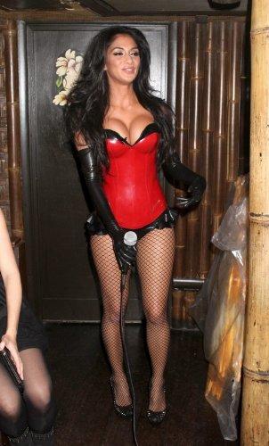Nicole Scherzinger Glossy Celeb Photo 73