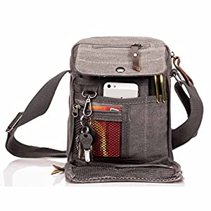fa4782a4c5 Mio marito ha anche rinunciato al portafoglio perché così tanto completo di  varie tasche che ne può fare a meno.