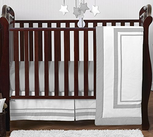 Contemporary White and Gray Modern Hotel Grey Baby Boy Girl Unisex Bedding 4 Piece Crib Set Without Bumper (Square 4 Piece Nba)