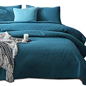 Kasentex Quilted Coverlet Set-Pre Washed-Luxury Microfiber Soft Warm Bedding-Solid Colors Bedspread-Contemporary Star Design, Queen + 2 Shams, Blue Turquoise