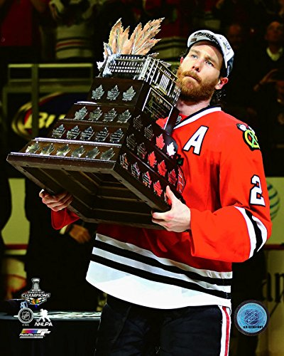 Conn Smythe Trophy - Duncan Keith Chicago Blackhawks 2015 Conn Smythe Trophy Photo(Size: 8