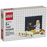 Lego minifigure retro set 2014 with astronaut & robot minifigures - 5002812