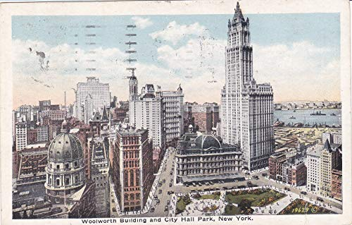 157VINT02 WOOLWORTH BUILDING AND CITY HALL PARK, NEW YORK POSTCARD COLLECTIBLE POSTCARD VINTAGE ANTIQUE from HIBISCUS EXPRESS