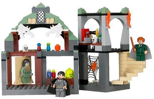 LEGO Harry Potter 4752: Professor Lupin's Classroom: Amazon.co.uk ...