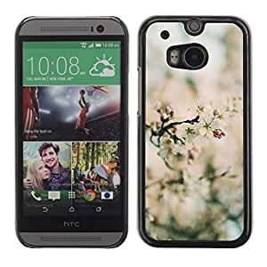 Be Good Phone Accessory // Dura Cáscara cubierta Protectora Caso Carcasa Funda de Protección para HTC One M8 // Spring Focus Field Blossom Flowers Nature