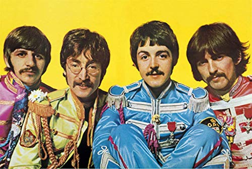 - The Beatles Sgt Peppers Lonely Hearts Club Band Poster Maxi - 91.5 x 61cms (36 x 24 Inches)