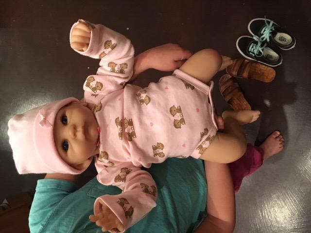 The Ashton - Drake Galleries Tasha Edenholm So Truly Real Lifelike Poseable Baby Girl Doll: Little Peanut - 17