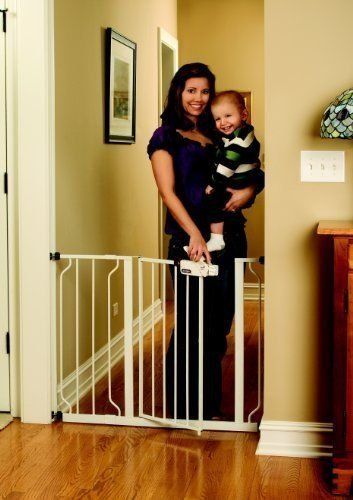 Baby Gate White Color Perfect For Doorways And Staircases Fite Spaces Between 29  And 39  Wide