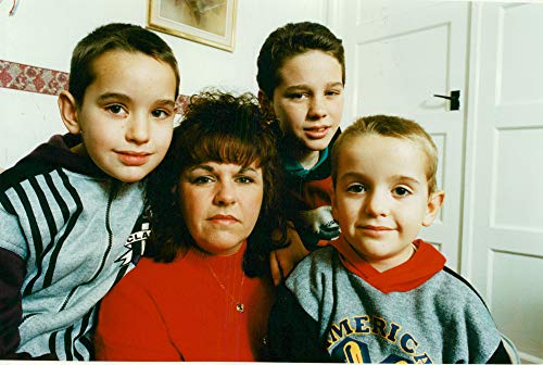 Vintage photo of families mrs julia dodd and mr mike arron witteg 3 sons. (Dodds Mr)