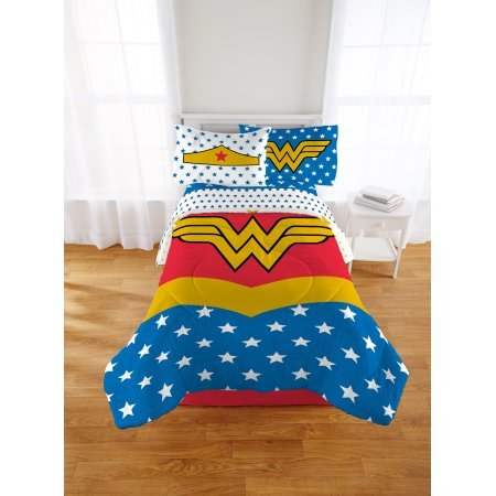 Action Packed, Super Soft and Machine Washable Wonder Woman Reversible Bed in a Bag Bedding Set, Makes a Great Gift for Your Little Superhero, Full