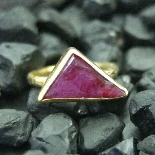 Ancient Design Handmade Hammered Triagle Natural Ruby Ring 22K Gold over 925K Sterling Silver ()