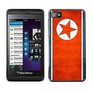 TopCaseStore / la caja del caucho duro de la cubierta de protección de la piel - North Korea Grunge Flag - Blackberry Z10