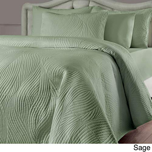 3 Piece Light Green Sage King Quilt Set, Lightweight Ultra Soft Texture Oversized Bedding, 104 Inches X 90 Inches, Beautiful Sophisticated Geometrical Embroidery Pattern, Reversible ()