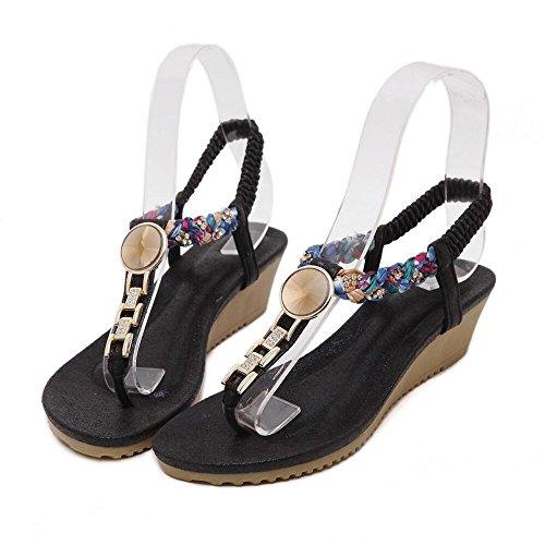 Pendiente con sandalias planas de verano femenina con las damas sandalias Negro
