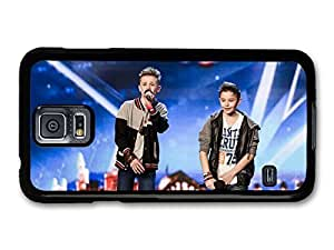 AMAF ? Accessories Bars and Melody Boyband Leondre Devries Charlie Lenehan Performing Live case for Samsung Galaxy S5