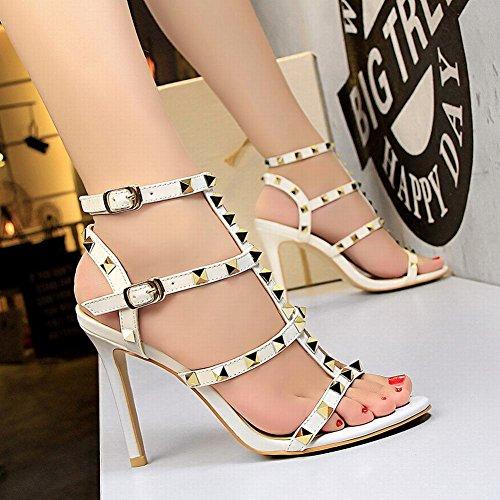 Mee Shoes Damen Stiletto mit Nieten Ankle Strap Sandaletten Weiß