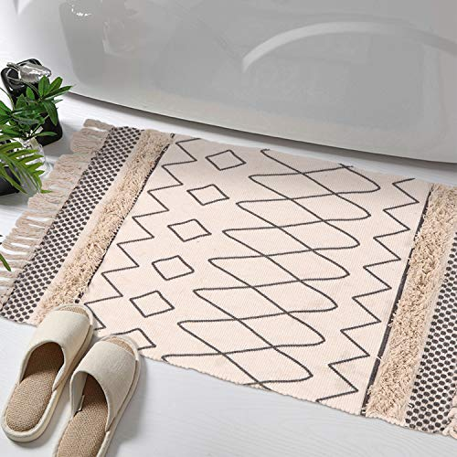 - Tufted Cotton Area Rug, KIMODE Hand Woven Print Tassels Throw Rugs Carpet Door Mat,Indoor Area Rugs for Bathroom,Bedroom,Living Room,Laundry Room (2' x 3', Diamond Line)