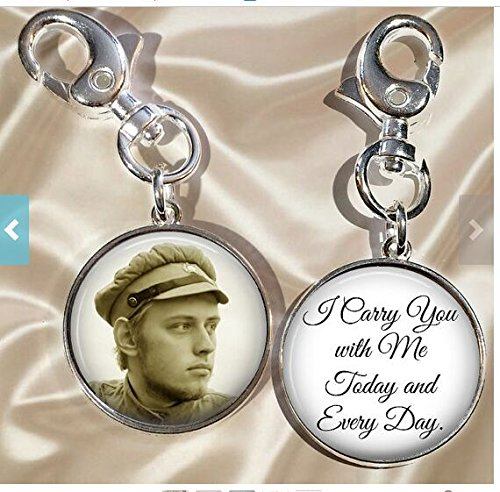 custom-wedding-bouquet-charm-double-sided-with-photo-and-saying-i-carry-you-with-me-today-and-every-