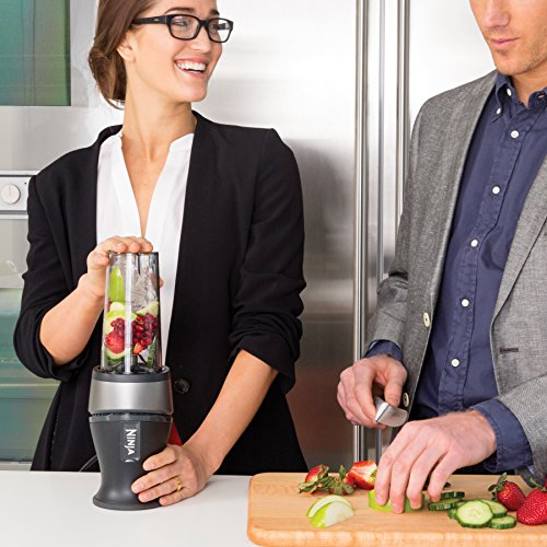 Ninja Personal Blender for Shakes, Smoothies, Food Prep, and Frozen Blending with 700-Watt Base and (2) 16-Ounce Cups with Spout Lids
