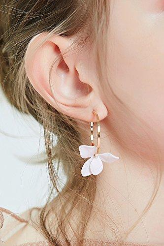 Generic Korean_small_beauty_ flowers_in_chip_ earrings Earring eardrop stylish_simplicity_ pearl_long_asymmetrical ear hook_ women girls_temperament ear jewelry
