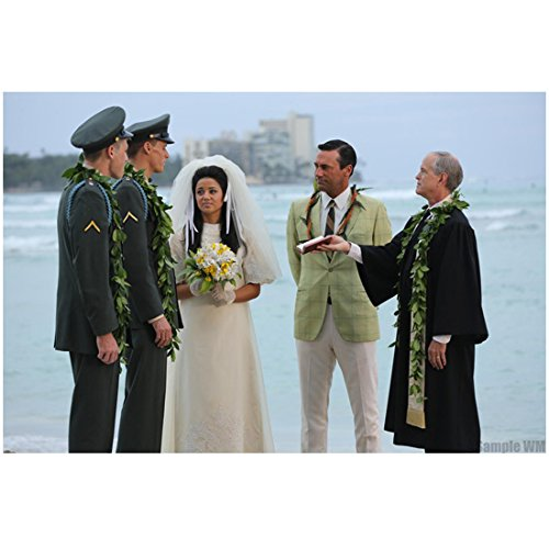 Mad Men Don and Megan Draper Get The Married On Beach 8 x 10 - Draper Megan Don And