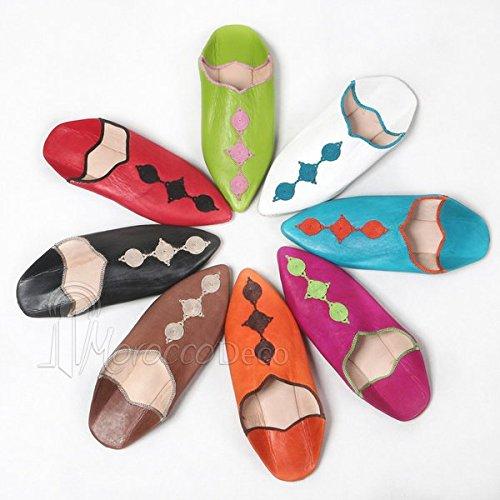 Babouche Mouna fuschia, babouche luxe de Fez à bout pointu en cuir veritable et broderies de soie, chaussons fait main, mocassins haut de gamme