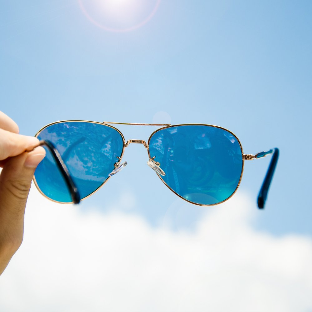Polarized Aviator Sunglasses, Veroyi 9110-C4 Military Style Lightweight Sun Glasses for Women (Bobbi Pink)