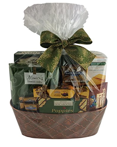 Wine Country Snacks Gift Basket with Popcorn, Chocolate, Caramels, Cookies Crackers Nuts Cocoa (Large Green)