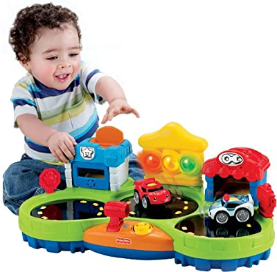 Fisher-price Lil Zoomers Chase And Race Town