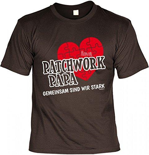 T-Shirt Vater - Patchwork Papa gemeinsam stark - Herz - Geschenk Idee mit Humor zum Vatertag oder Geburtstag - braun