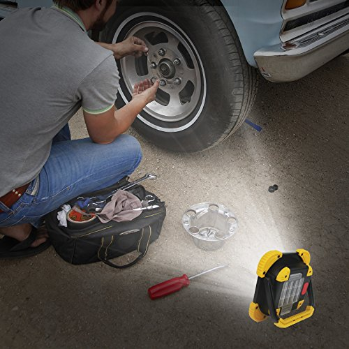Moobibear BS-FL8W-4AA Work Light Portable Cob LED 10W 1000lm 2 Modes Emergency Battery Powered Cordless Floodlight, Heavy Duty Spotlight for Garage, Camping, Hunting, Fishing by Moobibear (Image #6)